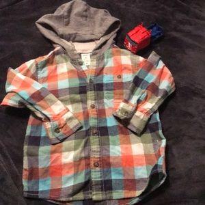 Boys 3T hooded long sleeve dress shirt